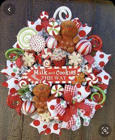 Holiday Door Wreaths, Christmas Front Doors, Christmas Ribbon, Christmas Candy, Christmas Time, Christmas Crafts, Christmas Ornaments, Winter Wreaths, Gingerbread Christmas Decor