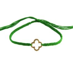 Friendship Bracelet with Clover in Gold