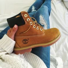 Cozy up this lazy Sunday. #timberland #boots #yellowboots