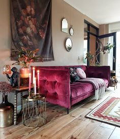 Choose from the largest collection of Living Room Design & Decorating Ideas to add style at Living Room. Discover best Living Room interior inspiration photos for remodel & renovate, here. Home Living Room, Living Room Designs, Living Room Decor, Living Spaces, Living Room Inspiration, Interior Inspiration, Beautiful Sofas, Home And Deco, My New Room