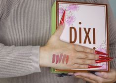 Happy Christmas Eve, everyone! I hope you are now enjoying some lovely days with your friends and family and that you got all the gifts you wished for. As for me, I must have been very good, since this gorgeous box from @pixibeauty arrived in the mail just on time to be a very cool Christmas/ birthday gift.  The box contains two skincare items: Rose Caviar Essence and Rose Flash Balm. It also contains five MatteLast Liquid Lip products in the prettiest packaging ever: Au Naturelle, Matte…