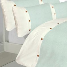 Part of the waffle duvet cover range, this duvet comes in a range of colours and a great design. In 100% Egyptian Cotton. In a Aqua Duck Egg colour.