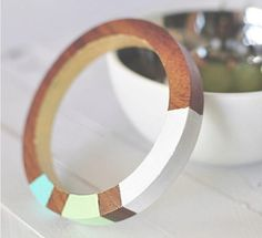 Color Block Wood Bangles | What an easy DIY jewelry idea! These homemade bracelets are simple to put together and you don't need a lot of materials to make them!