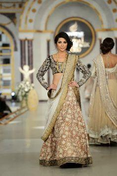 Nida Azwer - Pakistani Bridal Fashion PBCW 2013 Lahore