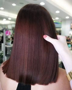13 Incredible Balayage Dark Brown Hair Colors to Steal - 23 Hottest Brown Hair Color Ideas: Perfect Examples of Brunette Hair - Mahogany Brown Hair Color, Brown Hair Color Shades, Mahogany Hair, Brown Hair With Blonde Highlights, Brown Hair Colors, Hair Color Ideas For Dark Hair, Ombre Hair Long Bob, Brown Ombre Hair, Brown Hair Balayage