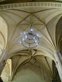 Cubiertas góticas. El interior conserva su estructura original