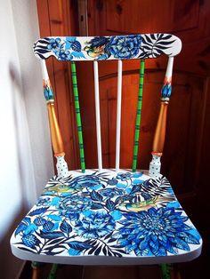 La sedia dipinta a mano autore M Sambur. 2015