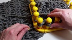 Figure Eight Stitch on the Zippy Loom