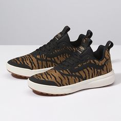 7a6bf11cc95e 27 Best H (Shoes) images in 2019