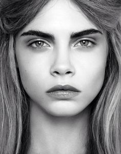 model, cara delevingne, and cara image Cara Delevingne, Most Beautiful Women, Beautiful Images, Pretty People, Supermodels, Eyebrows, Portrait Photography, Hair Makeup, Hair Beauty