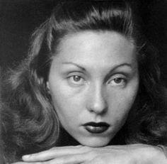 Clarice Lispector (Chechelnyk, Ucrania 10 de diciembre de 1920 - Río de Janeiro, 9 de diciembre de 1977) fue una escritora brasileña.