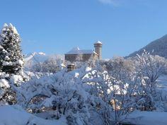 Château de Faverges A découvrir avec les Guides du Patrimoine des Pays de Savoie (@GuidesGPPS) http://www.gpps.fr/Guides-du-Patrimoine-des-Pays-de-Savoie/Pages/Site/Visites-en-Savoie-Mont-Blanc/Genevois/Autour-du-lac-d-Annecy/Faverges-Donjon-et-villages