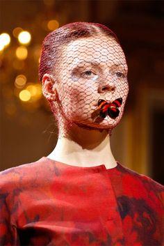 Giambattista Valli veil model: Kinga Rajzak