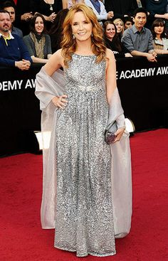 Lea Thompson at the #oscars 2012 - just look at the stunning red carpet!  :)  #carpetcrazy #carpetonedfw