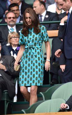 Pin for Later: Kate Middleton hat sich in diesem Jahr selbst übertroffen  In Jonathan Saunders verfolgte Kate die Spiele in Wimbledon.