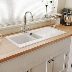 White Ceramic Kitchen Sink, Gold Taps, Debris Removal, Butler Sink, Kitchen Mixer Taps, Küchen Design, Car Parking, White Ceramics, House