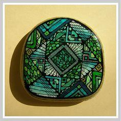 Interesting, geometric painted rock. Zrnká v kocke  by Sjuzn.gallery - SAShE.sk - Handmade Dekorácie
