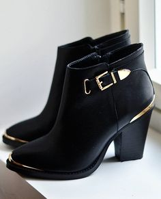 """"""" Black and gold leather boots from Steve Madden """""""