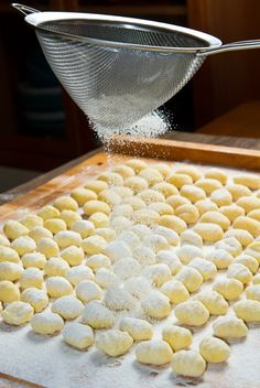 Gnocchi made with different ingredients by La Cucina Italiana Gnocchi Recipes, Pasta Recipes, Cooking Recipes, Italian Cooking, Italian Recipes, Pasta Dishes, Food Dishes, Italian Gnocchi, Pasta Noodles