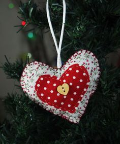 Heart shaped Christmas decoration £5.30.  #Handmade by a #Spoonie crafting through Chronic Illness and Disability.  Join the Crafties at www.ConsciousCrafties.com #Craft #Awareness #ChronicIllness #ChronicPain #Disabilities #Disability #InvisibleIllness #InvisibleIllnessWeek #InvisibleFight #Carer #SpoonieCraft