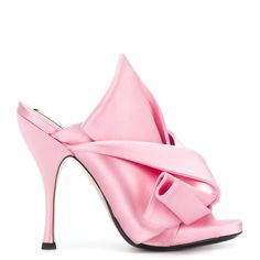 N°21 Satin Sandals ($640) ❤ liked on Polyvore featuring shoes, sandals, pink, open toe shoes, slip on shoes, open toe sandals, pink bow sandals and high heel sandals