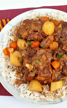 This Oxtail cooked in the Slow-Cooker turns out so fall-off-bone tender - with a delicious rich sauce - best comfort food ! Oxtail Recipes Crockpot, Slow Cooker Recipes, Crockpot Recipes, Cooking Recipes, Crockpot Dishes, Beef Dishes, Oxtail Slow Cooker, Oxtail Soup, Oxtail Meat