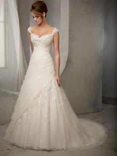 White Slida / Kolumn Remmar Ärmlös Tulle Applique Court Tåg bröllopsklänningar för 4550kr