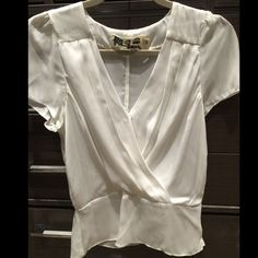 White blouse Super adorable and silky soft white blouse Tops Blouses