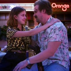 'Stranger Things would 'feel very different,' according to The Duffer Brothers Netflix Stranger Things, Hopper Stranger Things, Stranger Things Merchandise, Stranger Things Aesthetic, Eleven Stranger Things, Millie Bobby Brown, Blonde Bob Cuts, Curly Blonde, Curly Bob
