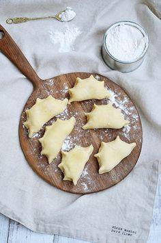 Moja smaczna kuchnia: Obiady na 7 dni Camembert Cheese, Food And Drink, Pierogi, Desserts, Polish Food Recipes, Tailgate Desserts, Deserts, Postres, Dessert