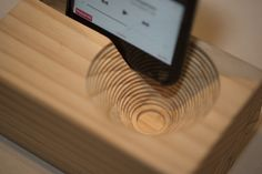 X-Carve CNC Project Make a Passive Amplifier for your iPhone - Wood Working Router Projects, Diy Wood Projects, Woodworking Projects, Woodworking Plans, Youtube Woodworking, Woodworking Classes, Wood Phone Holder, Cnc Wood Router, Cnc Plans