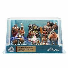 Create your own oceanic adventures with our deluxe figurine play set featuring characters from Disney Moana. Disney Pixar Cars, Disney Toys, Disney Mickey, Mickey Mouse, Disney Princess Figurines, Original Disney Princesses, Disney Descendants Dolls, Princess Birthday Party Decorations, Birthday Ideas