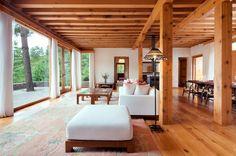 ウマ バイ コモ・パロ Uma by Como, Paro(ブータン) 現代的な快適さを感じる寝室。その他、プールや石焼風呂、瞑想エリアやヨガスタジオの施設も充実。
