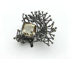 Ingjerd Hanevold: brooch, silver, 6X6X4 cm