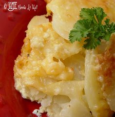 Cheesy Au Gratin Potatoes from Jamie Cooks It Up!