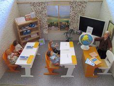 PUPPENHAUS SCHULE KLASSENZIMMER 11 TEILE & Schulhefte   eBay