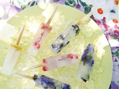 DIY: Ice Lollies with Edible Flowers