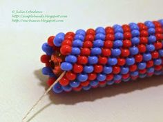 Free detailed tutorial with step by step photos on how to decorate a pen with seed beads in the technique of tubular peyote stitch. Great for beginners!