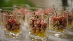 Glaasje van garnaal, mango en granaatappel | VTM Koken