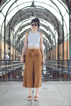 22 Trendy Pants To Adopt All Summer - Summer Outfits 80s Fashion, Cute Fashion, Fashion Outfits, Womens Fashion, Korea Fashion, Summer Outfits, Casual Outfits, Square Pants, Look Cool