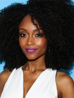 Yaya Dacosta from Americas Next Top Model wearing her natural hair