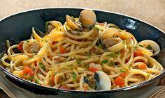 Espaguete ao vôngole   Calorias: 437 por porção