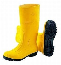 Guy Cotten Vauban Safety Boots for the snow! Safety Work Boots, Health And Safety, Rubber Rain Boots, Work Wear, Footwear, Nurses, My Style, Warehouse, Police