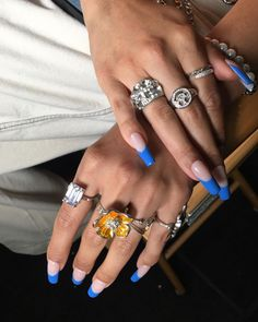 Bling Acrylic Nails, Fire Nails, Nails On Fleek, Nail Inspo, Nails Inspiration, Beauty Nails, Spice Things Up, Fashion Bags, Class Ring