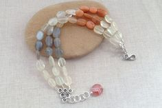 Easy Beaded Bracelet Projects and Tutorials