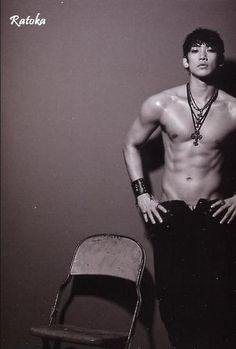 Jung Ji-Hoon aka Bi (비 - Rain). My cheetos this is amazing Korean Star, Korean Men, Sexy Asian Men, Sexy Men, Asian Actors, Korean Actors, Rain Kpop, Asian Male Model, Bi Rain