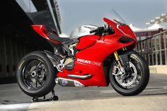 Ducati 1199 Panigale R - track spec