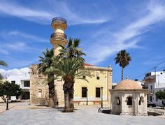 Ierapetra ( old Turkish mosque and fountain. Photo by Marc Ryckaert (Bruges, Belgium) Crystal Clear Water, Greek Islands, Holiday Destinations, Old Town, Night Life, Taj Mahal, Greece, Tourism, Things To Do