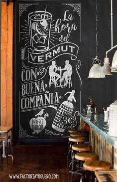chalkboard La hora del vermut. www.factoriayuguero.com