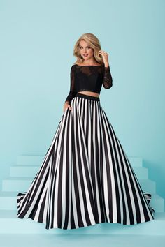 Tiffany Designs 16216 - International Prom Association